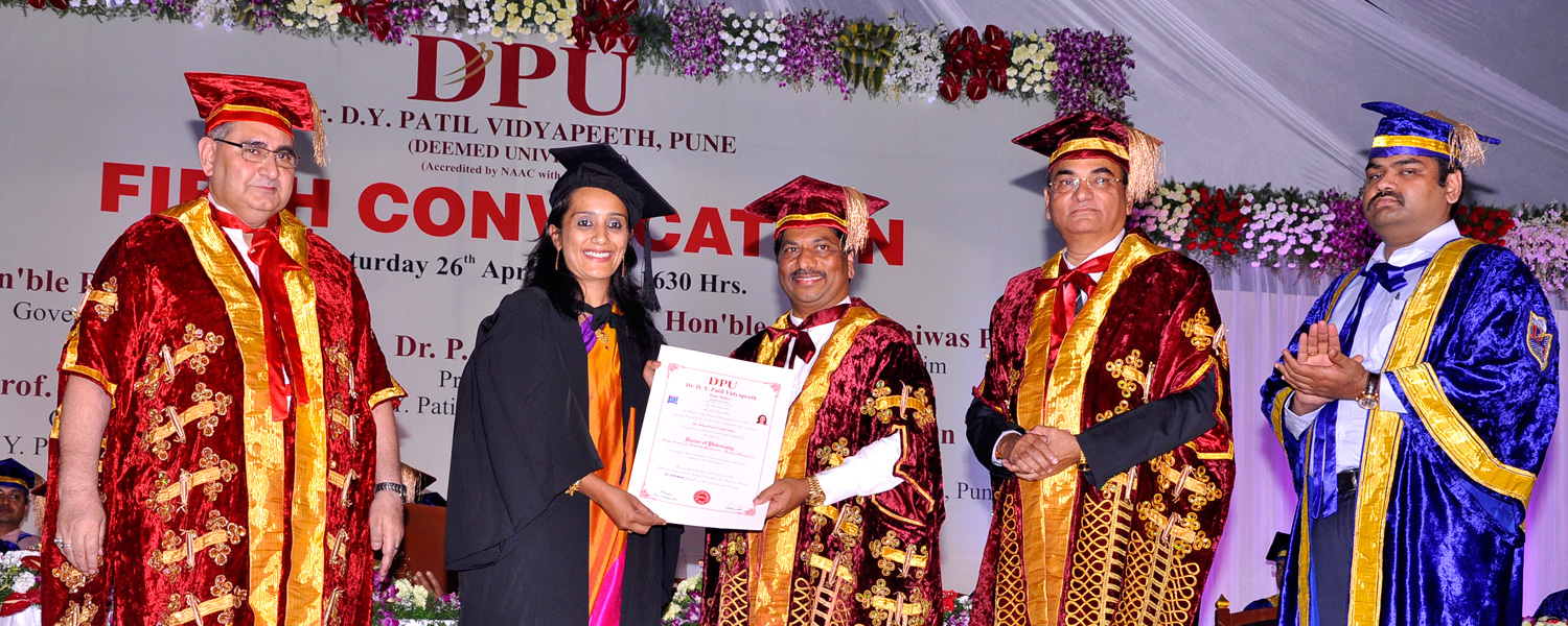 Dr. D. Y. Patil Vidyapeeth, Pune, held its Fifth Convocation on Saturday, April 26, 2014.